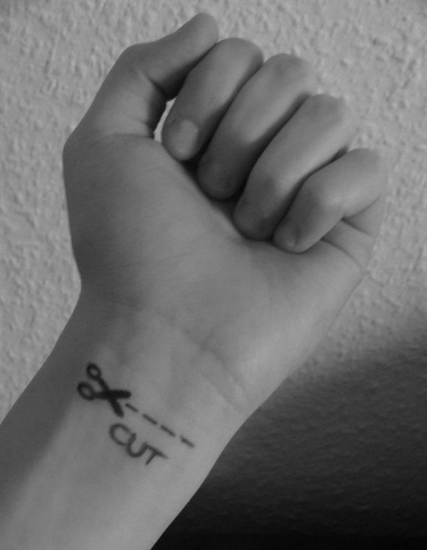 L'automutilation n'est pas le plaisir de souffrir mais d'arrêter la douleur, d'avoir mal ailleurs qu'au coeur...