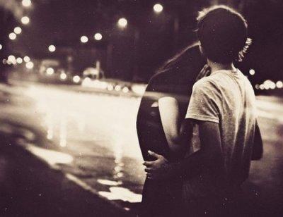 Je ne te demande pas grand chose, juste une chance, un essai. Je sais que je saurai te rendre heureuse.