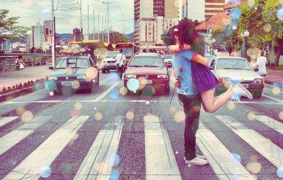 Je ne te promets pas seulement les étoiles, je te promets aussi la lune ainsi que ma vie.