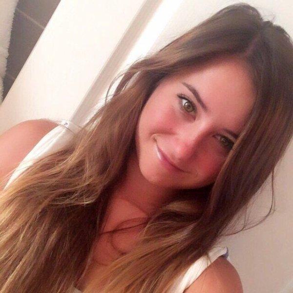 Camille - 20 ans - 168 j'aime :) Elue Belle Gosse le 30 novembre 2016 :)