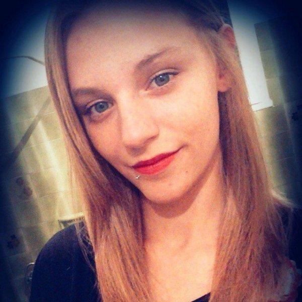 Amélie - 18 ans - 80 j'aime :)