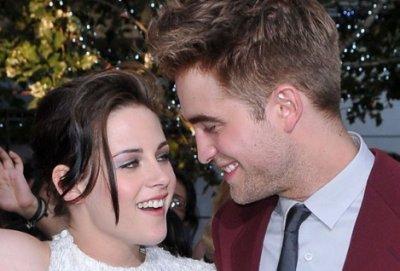 Robert Pattinson et Kristen Stewart en soirée romantique... Leur relation deviendrait-elle plus officielle ?