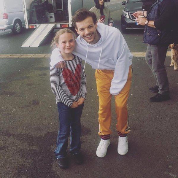 Louis à Doncaster pour le tournage de son clip le 20.05.2017