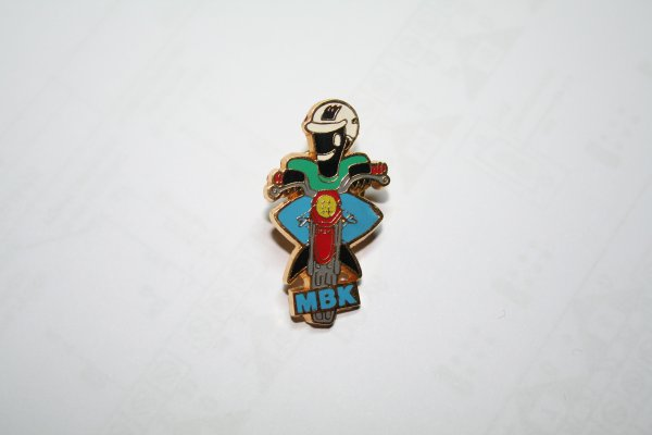 "Achat d'un Pin's ""Collector"""