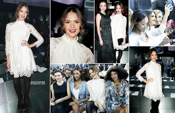 26.02.2014 - Jessica est enfin à Paris pour assister au défilé de H&M à la Paris Fashion Week Fall/Winter 2014.J'espère que Jessica assistera à d'autres défilés dans notre capitale.On la retrouve avec Miranda Kerr et Solange Kwnoles.