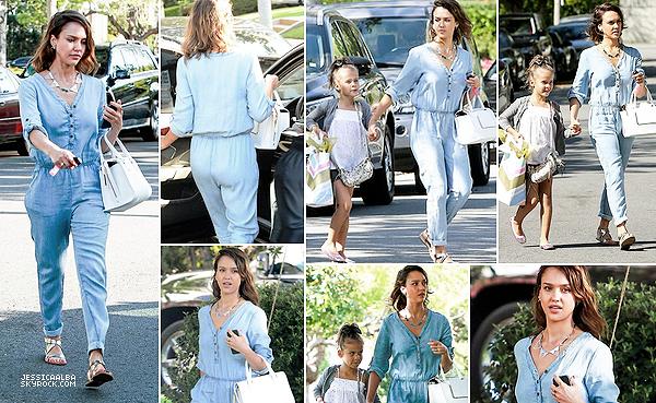 15.03.2014 - Jessica  à accompagner sa fille Honor à une fête d'anniversaire dans le quartier de Beverly Hills.Mère et fille sont super mignonne. Honor grandit vraiment très vite et ressemble de plus en plus à Jess qui est superbe.