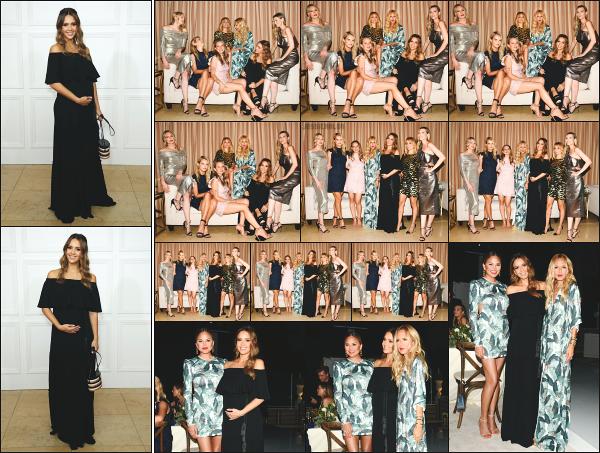 - 05.09.17 ─ Jess était présente à la soirée de lancement de la new collection « SS18 » de Rachel Zoe à Los Angeles.[/s#00000ize]Jessica portait une longue robe noire assez ample comme elle les aimes et je trouve son look sobre mais très jolie. C'est un beau top pour notre maman ! -