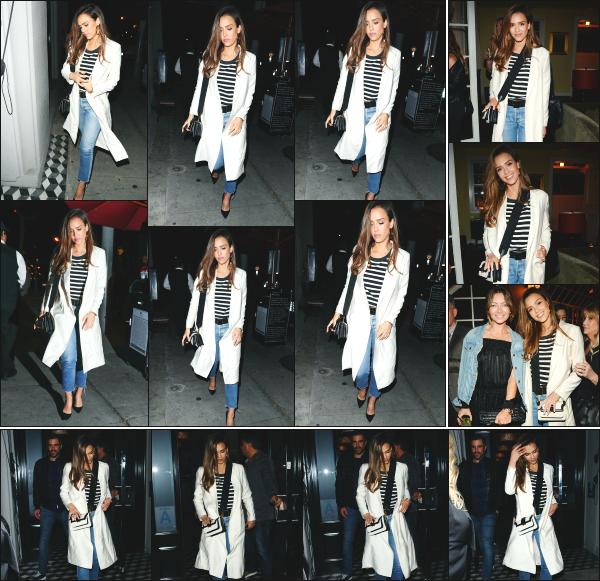 - 12.05.17 ─ La belle Jessica Alba est photographiée allant dîner au « Craig's Restaurant » dans West Hollywood ! [/s#00000ize]J'aime bien la tenue que portait Jessica lors de cette soirée, c'est assez élégant et totalement dans son style habituel ! Je lui donne alors un beau top.   -
