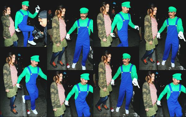 - 29.10.17 ─ Jessica' est photographiée alors qu'elle quittait la soirée déguisée de Kelly Rowland à West Hollywood ![/s#00000ize]Le déguisement de son mari n'est autre que le célèbre Luigi et pour Jessica, elle s'est déguisé en Juno !  Une petite soirée en amoureux sans les enfants ! -