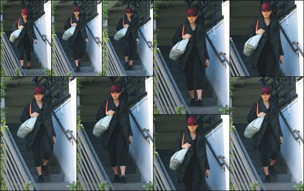 - 24.02.18 ─ Notre Jess Alba est photographiée alors qu'elle venait de quitter son cours de sport dans Los Angeles[/s#00000ize]Jessica A. portait une tenue de sport basique et très large pour le coup, comme à son habitude en ce moment ! Ce n'est pas sa meilleure tenue,  un flop !  -
