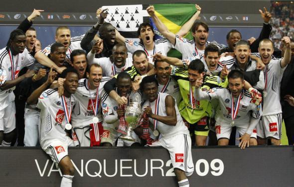 Football saison 2008-2009 : Guingamp remporté la 1ere coupe de france de son histoire face au stade Rennais