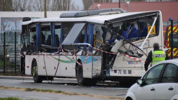 La france en deuil : dramatique accident en Charente Maritime le bilan est terrible 6 adolescents décédés et deux blesses graves !