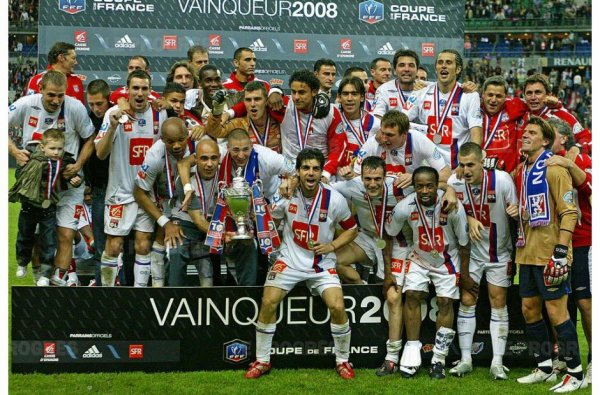Football saison 2007-2008 : L'olympique Lyonnais remporté la coupe de france face au Paris Saint Germain