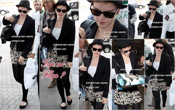 . 8 Janvier 2011 : Emma était à l'aéroport LAX de Los Angeles pour rentrer à Londres.. .