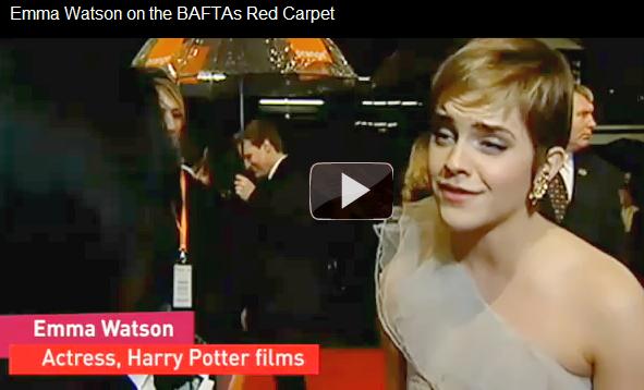 . 13 Février 2011 : Et voici Emma un peu plus tard à L'after-Party des Bafta Awards . La robe est à tomber....
