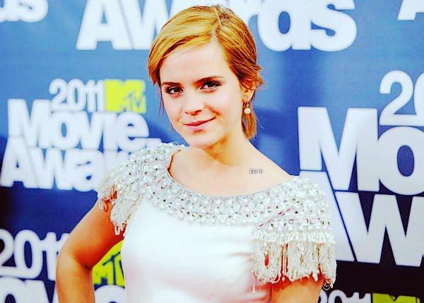. 5 Juin 2011 : Emma au MTV Movie Awards sur le Red Carpet. Je la trouve rayonnante !.