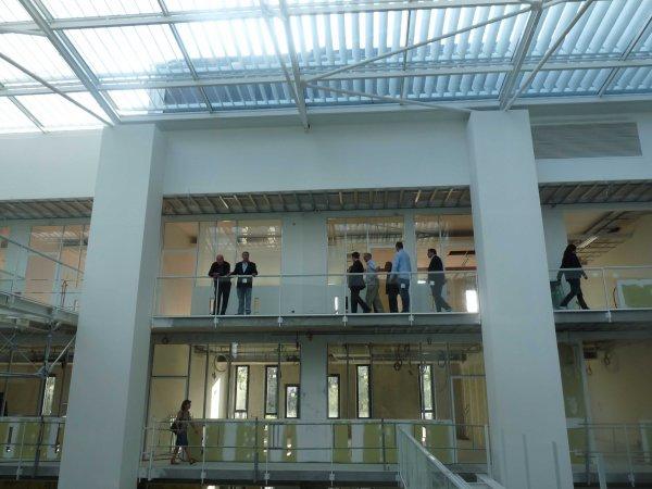 Pavillon Ecole Internationale des Sciences du Traitement de l'Information