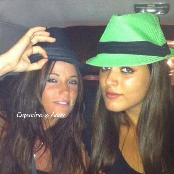 Capucine et son amie Fiona, le 4 Aout 2012 :