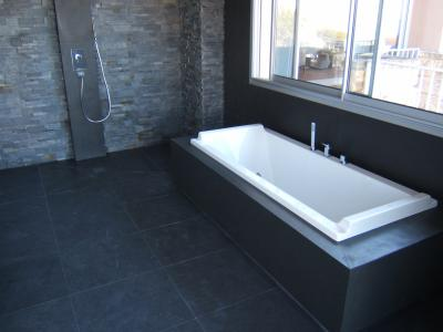 salle de bain en ardoise clivée - marbrier