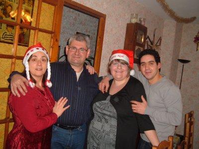 mon papa et sa futur femme ,mon mari et moi