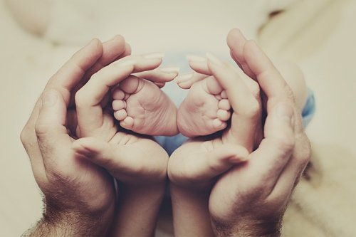 Les enfants sont la chose la plus précieuse dans la vie. Un parent doit faire tout ce qu'il peut pour donner à un enfant le sens de la famille.