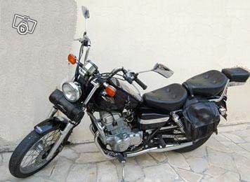 voici la moto de mon tonton!!