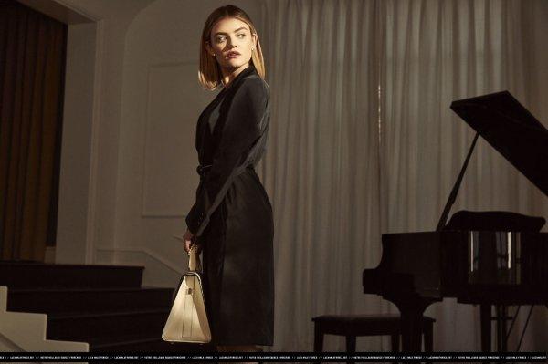 Découvrez un nouveau photoshoot de notre magnifique Lucy réalisé pour Elle USA de mars.
