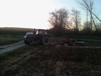 CASE 5140 + cover crop QUIVOGNE