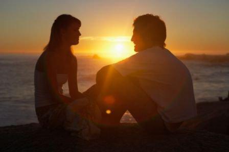 La vie sans être amoureux, c'est la destruction, c'est passer à côté de quelque chose d'essentiel comme le soleil ou la mer. Le désir est un mot indispensable.