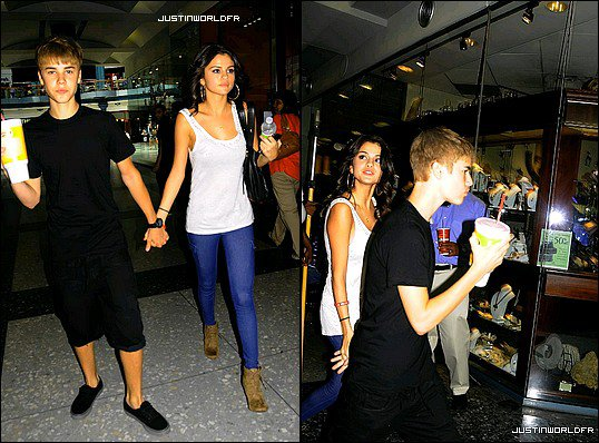 Le 19 Aout - Justin et Selena dans un Centre commercial à Philadelphie.