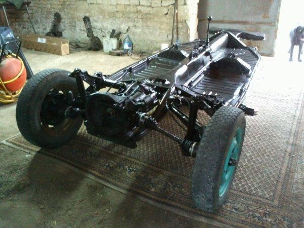 mon chassis poser enfin sur c est roues arriere