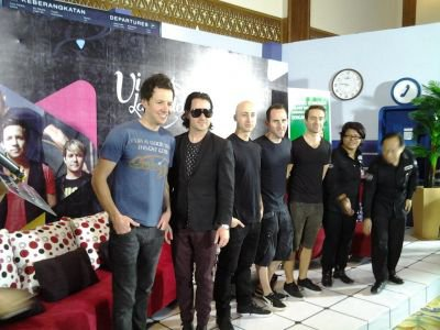 Simple Plan New Pic :D