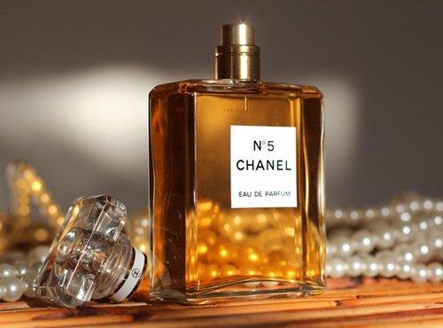 **le parfum d'une femme**