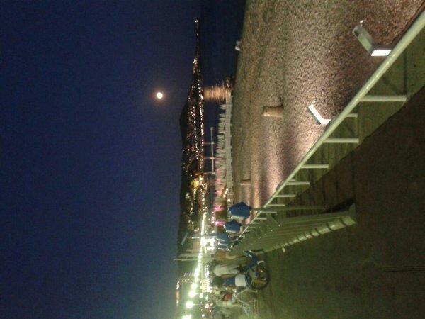La lune ki reflete  sur la mer