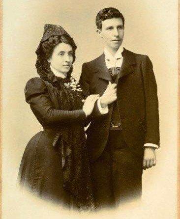 En Espagne, un couple lesbien se marie... en 1901!   incroyable