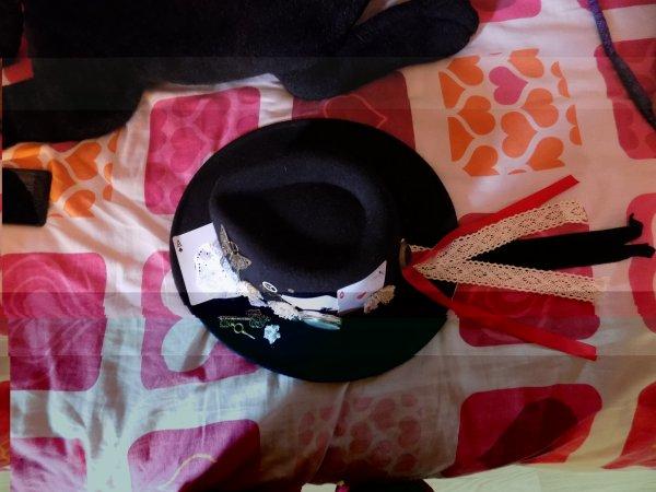 mon chapeau gothique