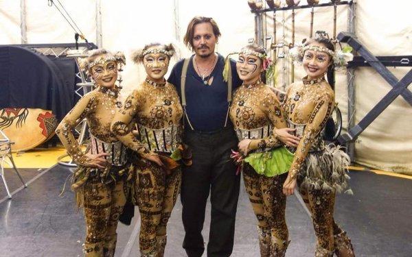 Johnny Depp et Amber Heard au cirque du soleil.