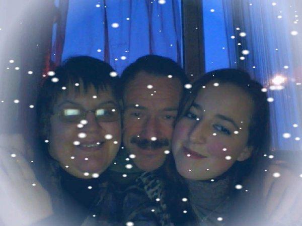 ma femme , mes filles et moi , notre bonheur !!!