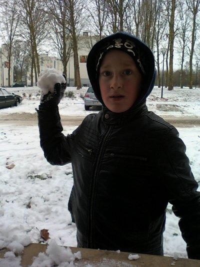 (l)(l)(l)(l)mes loulou a la neige(l)(l)(l)(l)