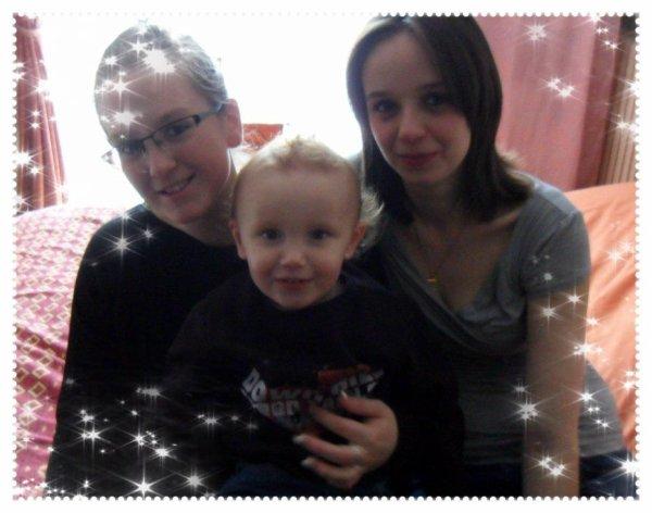 Ma soeur (la marraine de mon fils), mon fils, et moi