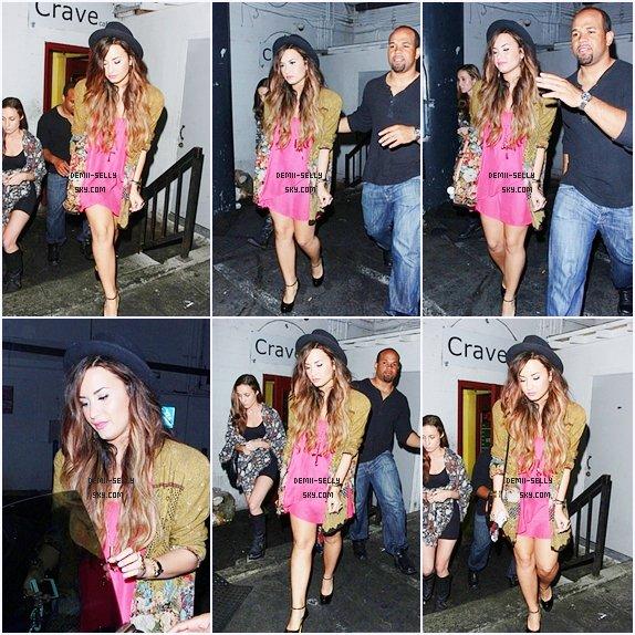 Demi Lovato à Leaves the Crave Cafe à Hollywood le 28 septembre.