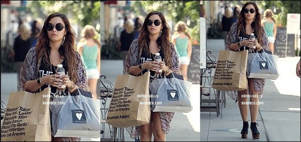 "Demi Lovato fait son petit shopping à Los Angeles le 2 septembre + une nouvelle photo de son photoshoot du magazine ""ELLE"" + Selena Gomez vidéo de sa ligne de vêtement ""Dream Out Loud""."