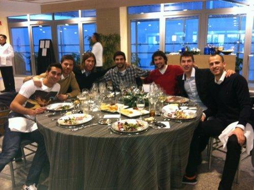 Quelques photos du déjeuner de Noël le 18/12/11. Bonne fête à tous !