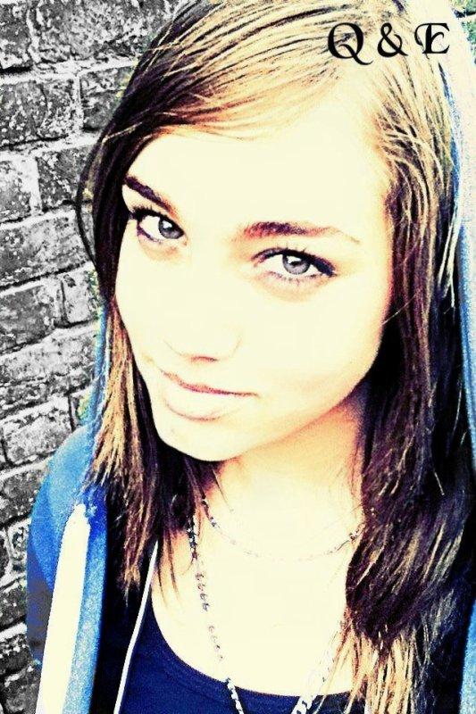 Elodie Barbier , Troyes 10 , 15ans.