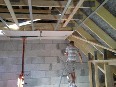 Premi re plaque de placo au plafond du haut blog de maison mikit38 - Installer du placo au plafond ...