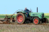 ancien fendt au labour