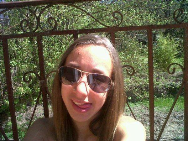 #Reste dans ta jalousie; j'reste dans mon jacuzzi.♥