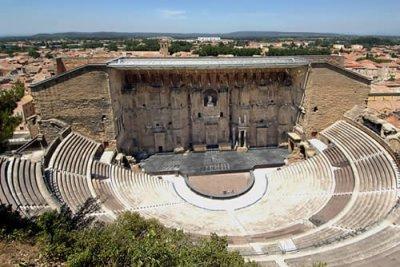 Les monuments d 39 arles le th tre antique cahier de bord histoire des arts 2011 2012 - Orange office de tourisme ...