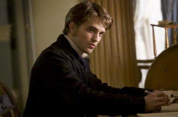 Robert Pattinson dans le rôle de Maupassant !