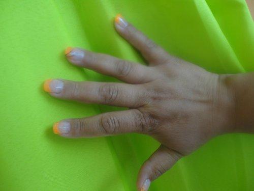 pose capsules avec french orange néon!!!! effet garantie en boite de nuit!!!!!!!!!!!!